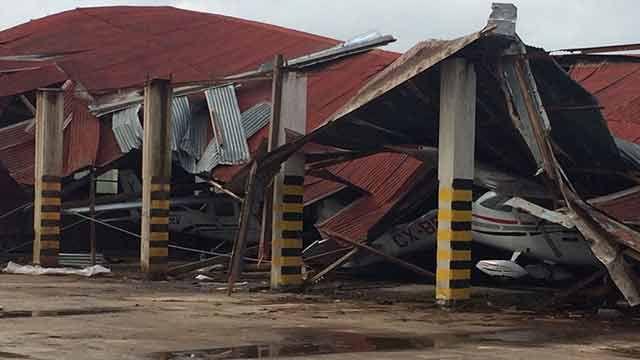 10.000 hogares sin luz, cientos de ramas caídas y destrozos en aeropuerto