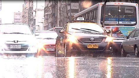 Alerta amarilla para 8 departamentos por lluvias y tormentas intensas