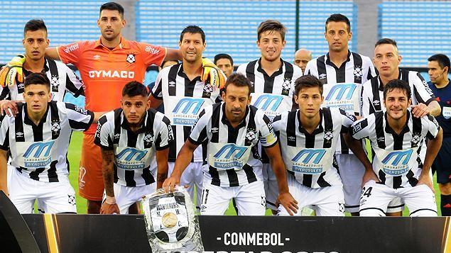Wanderers perdió 2 a 0 el partido ante The Strongest por la Libertadores