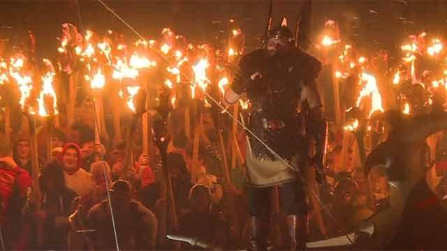 Nórdicos rinden homenaje a su pasado vikingo en espectacular festival