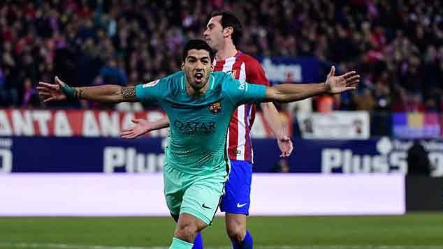 Golazo de Suárez tras eludir a Godín en el duelo Atlético 1-2 Barcelona