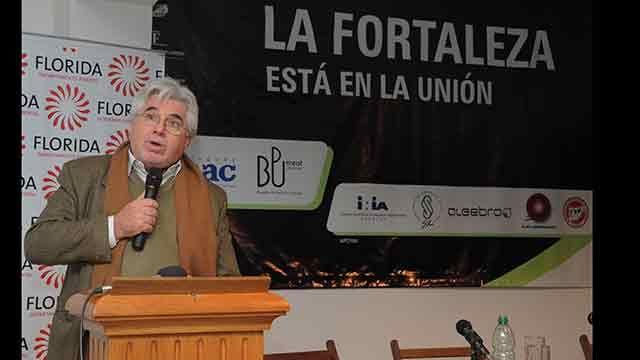 Ministro de Ganadería recibe préstamo de US$ 180 mil avalado por su cartera