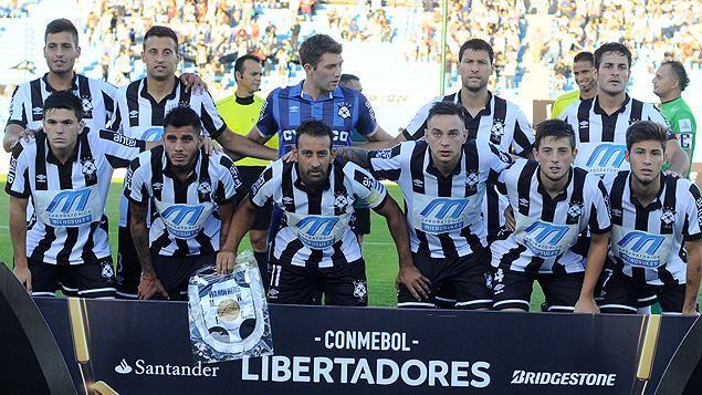 Wanderers ganó 5-2 y clasificó a la segunda fase de la Libertadores