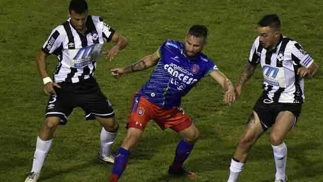Wanderers irá por la victoria ante Universitario de Sucre para clasificar