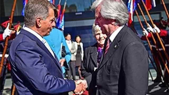 Vázquez se reúne con ministros para apurar UPM antes de misión a Finlandia