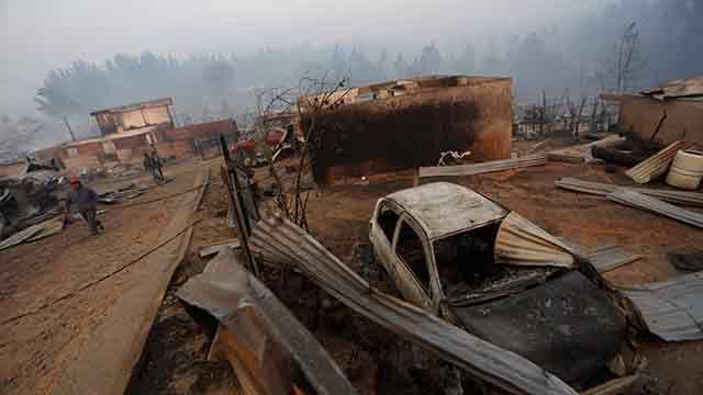 Chile decreta emergencia ante uno de los peores incendios de la historia