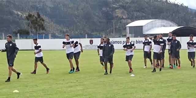 Uruguay enfrenta a Perú por un lugar en el hexagonal del Sudamericano Sub20