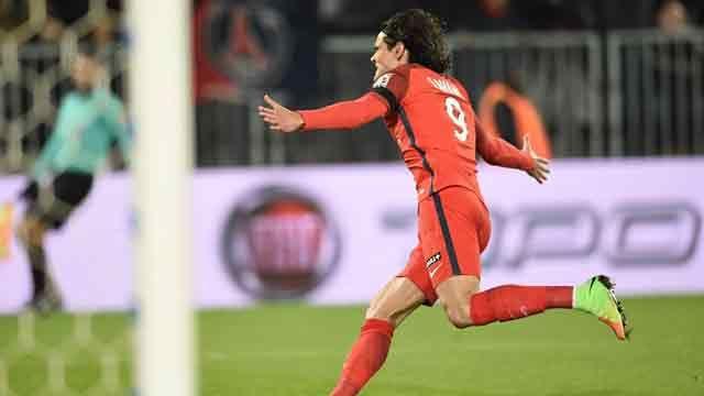 Doblete de Cavani para la victoria 4-1 del PSG ante el Bordeaux