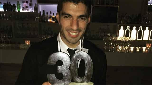 Así festejó Luis Suárez su cumpleaños número 30