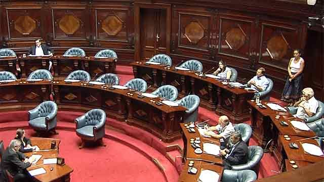 Cinco ministros serán citados a la Comisión Permanente del Parlamento