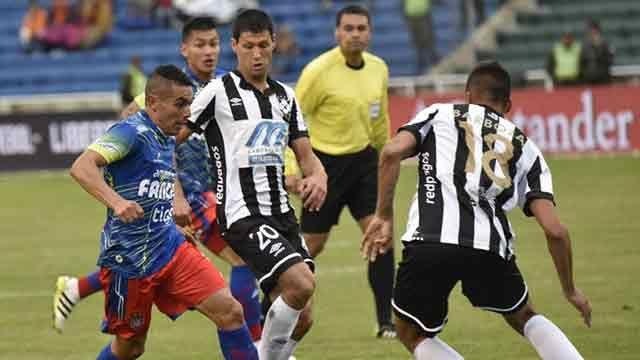 Wanderers cayó 3-2 ante Universitario Sucre en el debut por la Libertadores