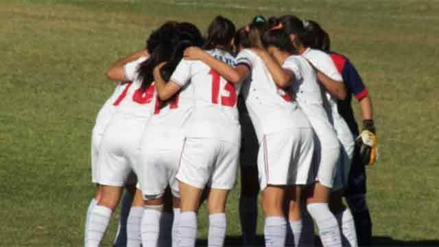 Plantel del fútbol femenino de Nacional acusa a DT por violencia de género