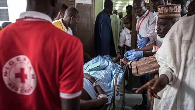 Al menos 90 muertos en bombardeo a campo de desplazados de Nigeria