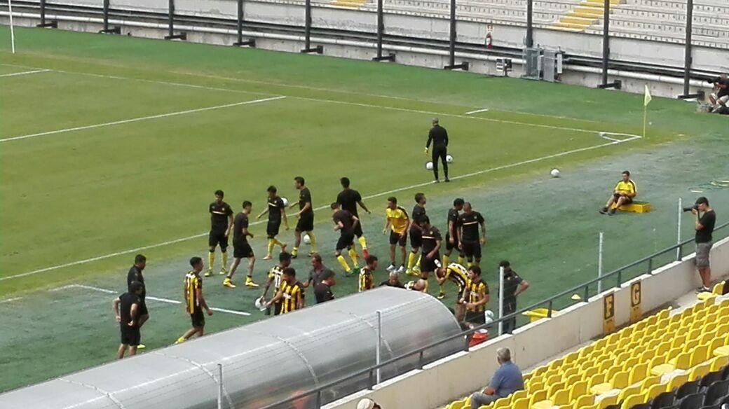 El Peñarol de Leo Ramos ganó y perdió con Emelec; jueves enfrenta a Juventud