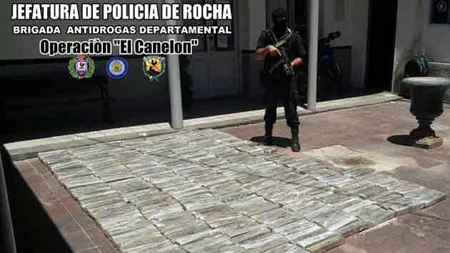 Incautaron 320 kilos de marihuana en una camioneta detenida en Rocha