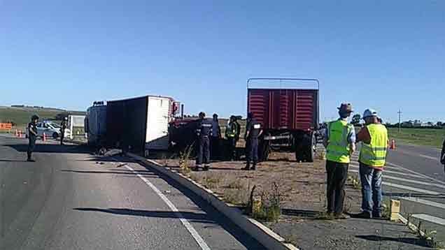 Dos fallecidos tras accidente en ruta 5 y 12 de Florida