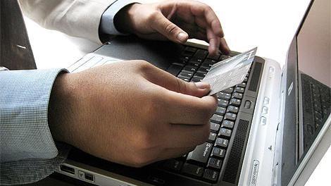 Gobierno limita compras web a tres por año en vez de cuatro