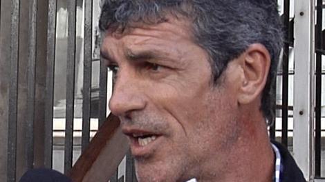 """Enrique Saravia sobre el pedido de renuncia: """"de pesado no me van a sacar"""""""