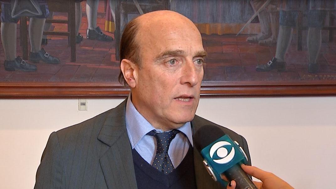 Martínez sería el candidato del FA más aceptado, según encuesta