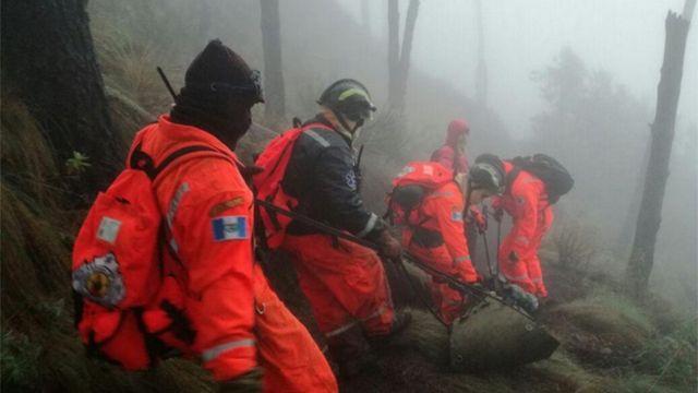 Seis muertos por hipotermia al escalar volcán en Guatemala