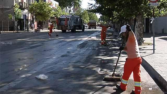 IM limpia Avenida 8 de Octubre tras tradicional vía blanca