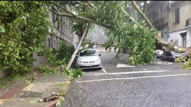 Casi 40.000 clientes sin luz por el temporal en el sur y el litoral oeste