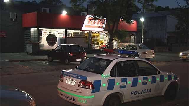 Un policía se enfrentó a tiros con cuatro delincuentes que robaron un súper