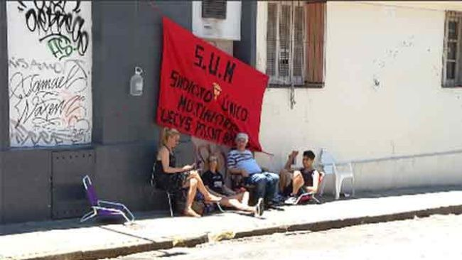 Trabajadores de Ta-ta y Multiahorro ocupan por represión antisindical