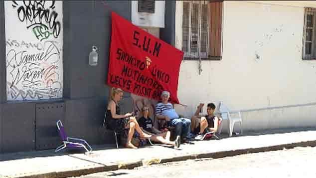 Sindicato de trabajadores ocupa algunos locales de Ta-Ta MultiAhorro