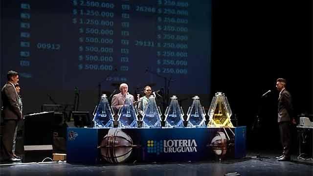 El premio mayor del Gordo de Fin de Año fue para el 09898, en Salto