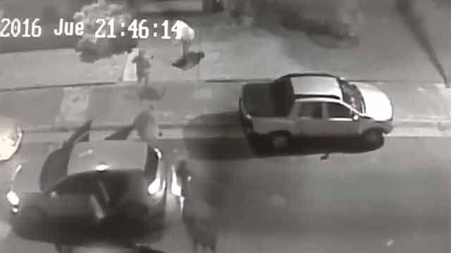 Encapuchados encañonan a conductores y se llevan sus vehículos