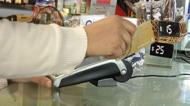 Comercios no podrán fijar montos mínimos para pagar con tarjeta de débito