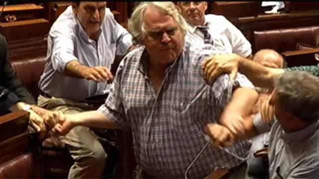 Courtoisie se disculpó por protagonizar la pelea en Diputados