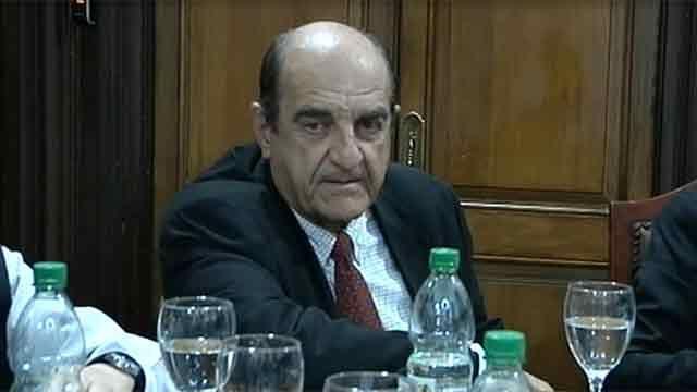 Rafael Fernández renunció a la AUF a pedido de la directiva de Peñarol