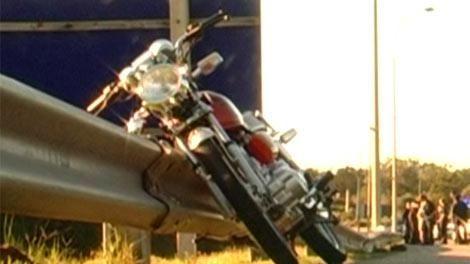 Motociclista de 23 años murió atropellado por un camión en la Interbalnearia