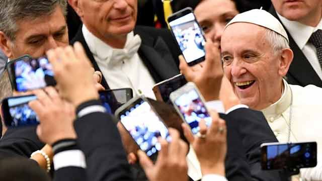La escapada del Papa Francisco a comprar zapatos nuevos