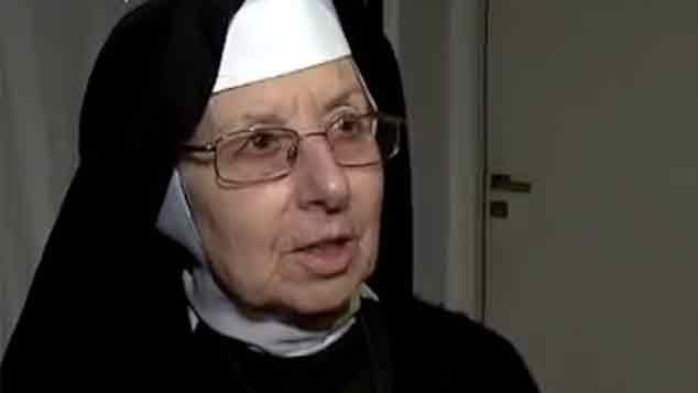 Procesan sin prisión a la monja que ayudó a esconder 9 millones de dólares