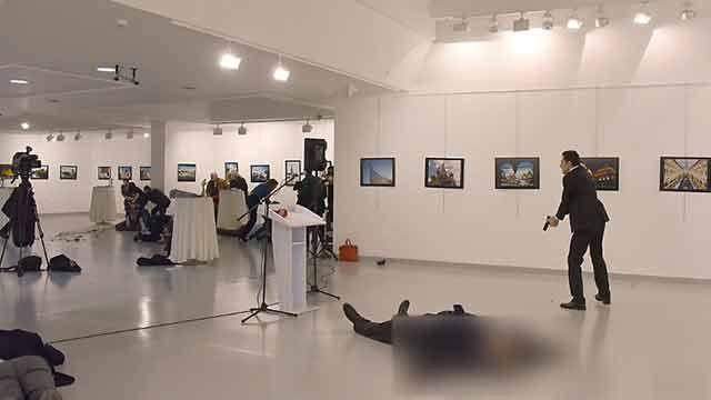Embajador ruso fue asesinado en Ankara en venganza por el conflicto en Siria