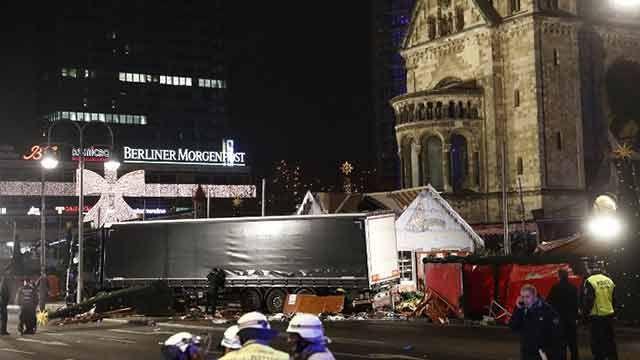 Suben a 12 los muertos en atentado en mercado navideño de Berlín