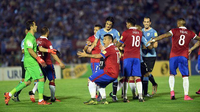 La FIFA sancionó a Chile por cánticos homófobos contra Uruguay