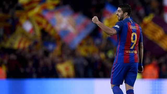 Con dos goles de Luis Suárez y uno de Messi, el Barça se acerca al liderato