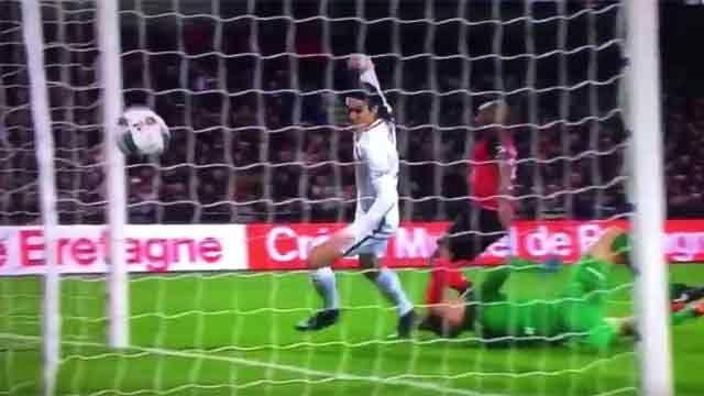 Edinson Cavani anotó, pero no alcanzó: PSG cayó 1-2 ante Guingamp