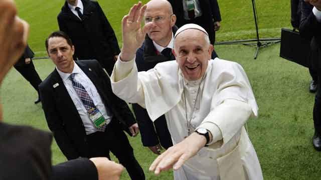 Francisco, Papa reformador querido y atacado, celebra el sábado 80 años