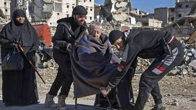 Más de 3.000 civiles y rebeldes fueron evacuados de la devastada Alepo