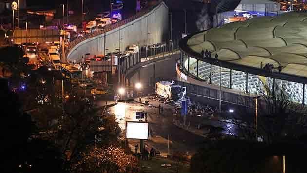 Doble atentado en Estambul con explosiones, tiroteos  y varios muertos