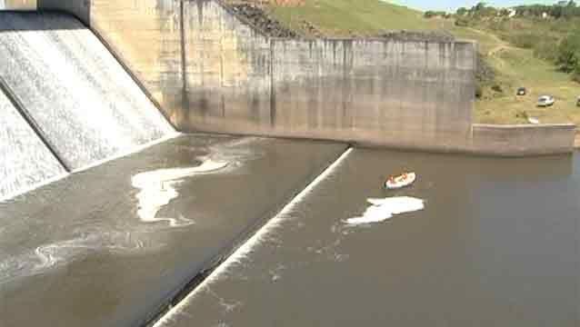 Joven se ahogó en represa de Paso Severino y aún no encuentran su cuerpo