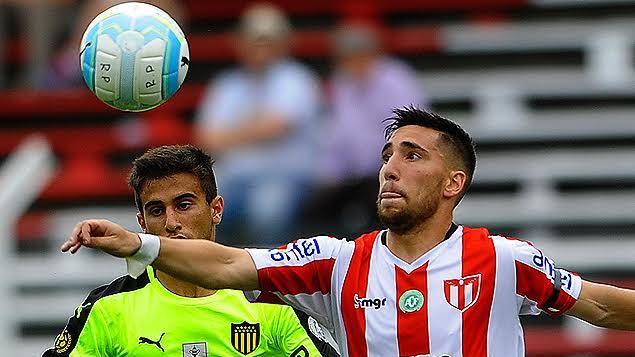 River Plate destroza la autoestima de Peñarol y le gana 3 a 1