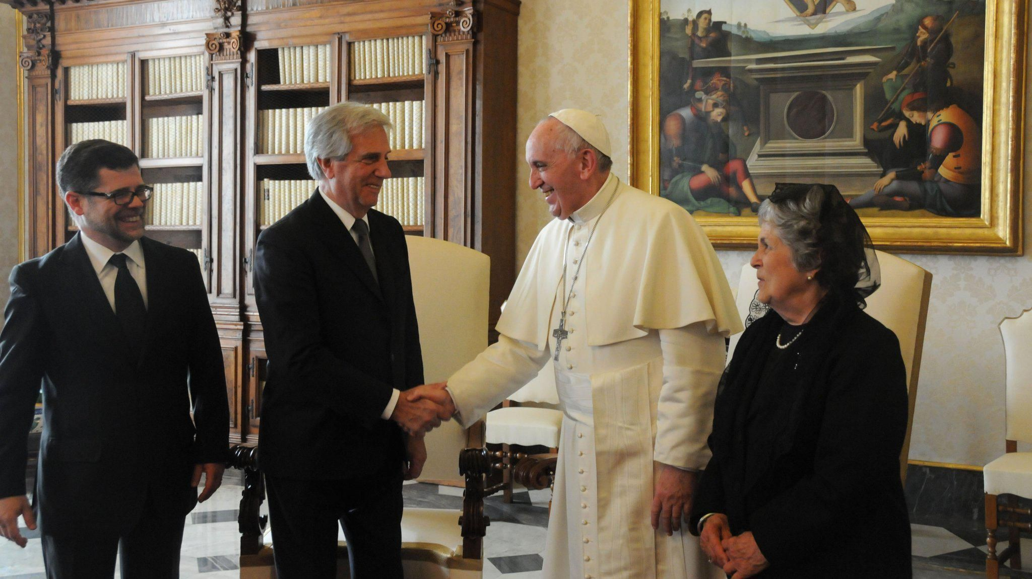 Vázquez y el papa Francisco acuerdan desclasificar archivos de la dictadura