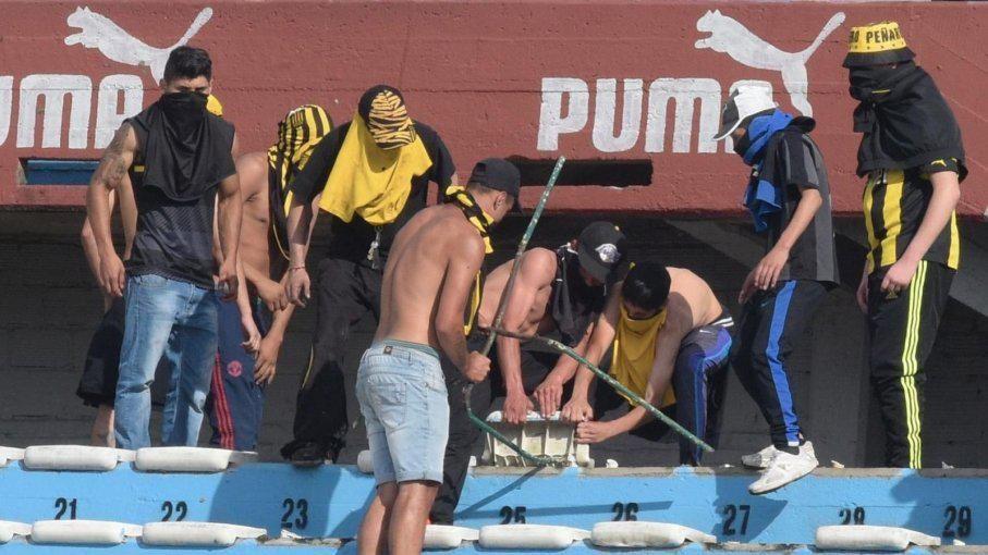 Quién es quién entre los barrabravas de Peñarol que declaran hoy ante juez