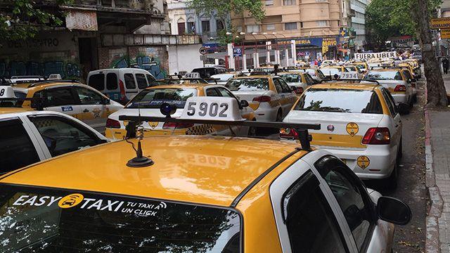 El servicio de taxis subirá su precio 4% a partir de diciembre